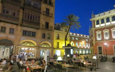 Sevilla: Luftnummer im Rosengarten